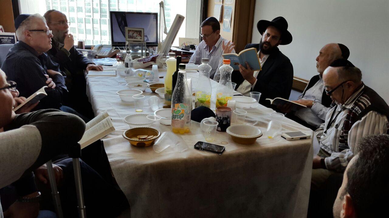 עשרות חברי בורסה משתתפים בשעורי לימוד הרמב״ם בבורסת היהלומים